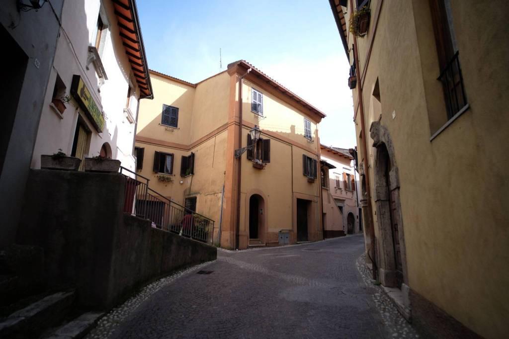 Trilocale in affitto a Poggio San Lorenzo in Via Quinzia