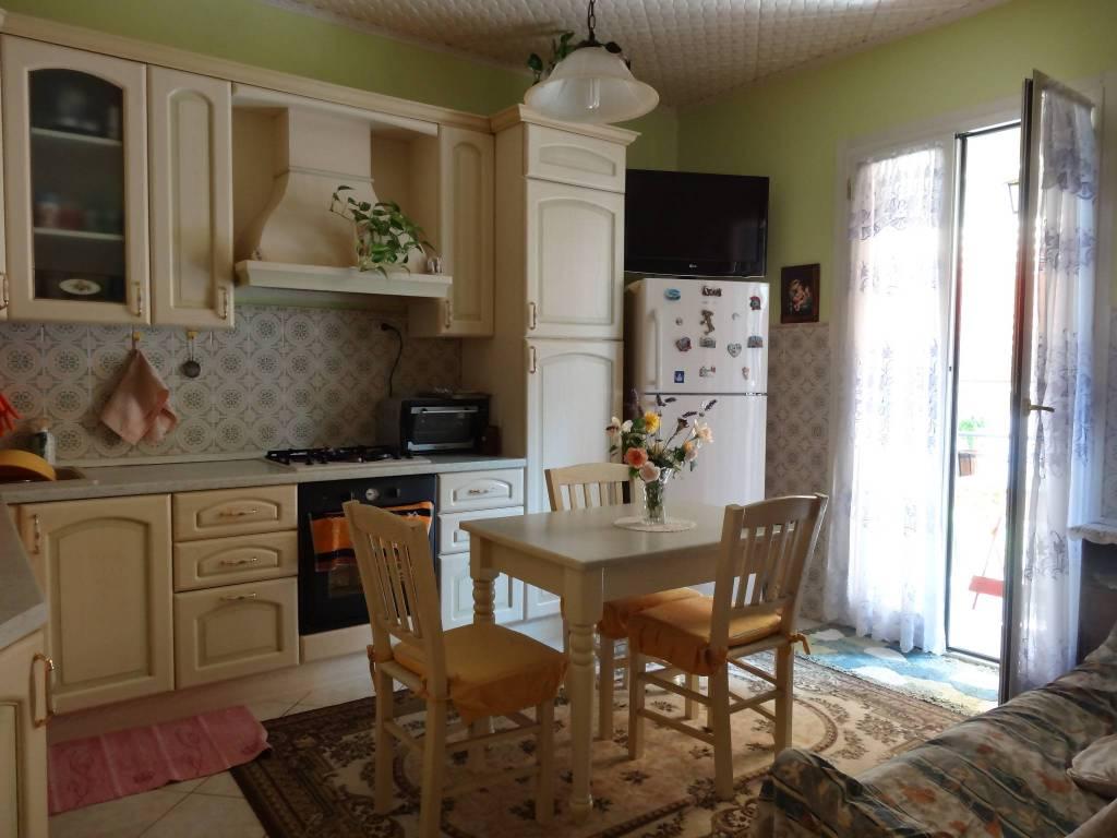 Appartamento in ottime condizioni arredato in affitto Rif. 8689634