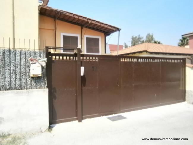 Appartamento in buone condizioni arredato in affitto Rif. 8609023