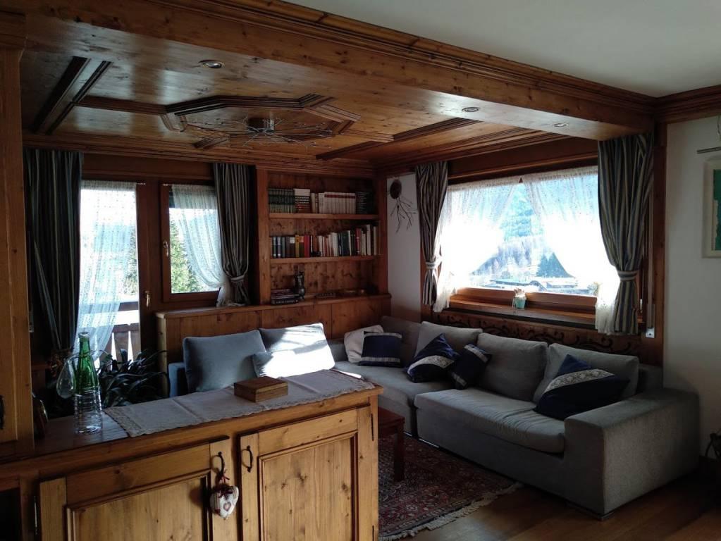 Primo piano in centro Cortina d'Ampezzo