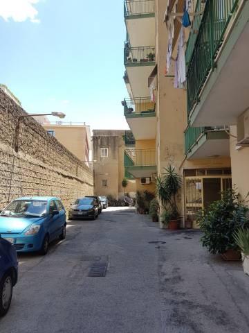Appartamento in vendita 3 vani 85 mq.  via Montedonzelli 28 Napoli