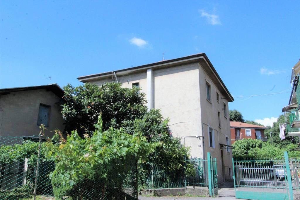 Appartamento in ottime condizioni in vendita Rif. 7092762