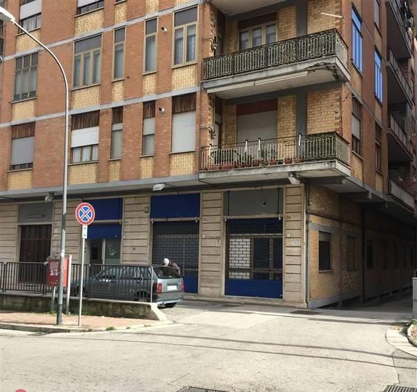 Locale commerciale via Cristoforo Colombo, Avellino Rif. 7097708