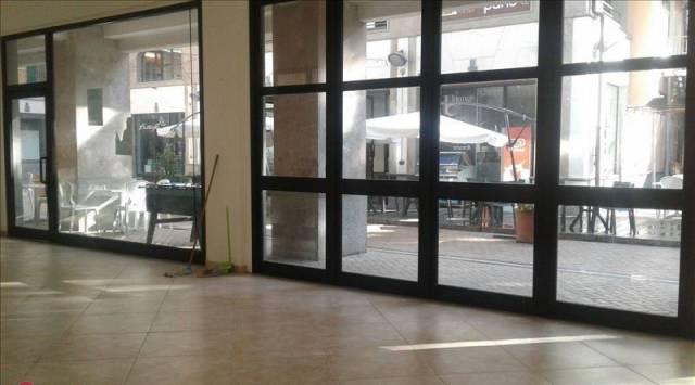 Locale commerciale Corso Vittorio Emanuele, Avellino Rif. 7097715