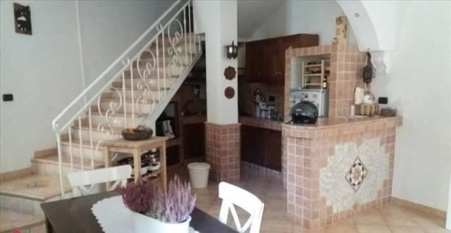 Villa in buone condizioni in vendita Rif. 7097720