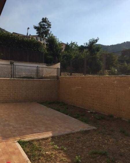Appartamento con giardino via Breccelle, Monteforte Irpino