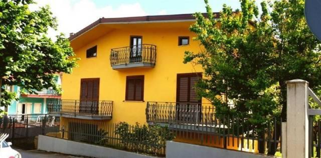 Villa in buone condizioni in vendita Rif. 7097775