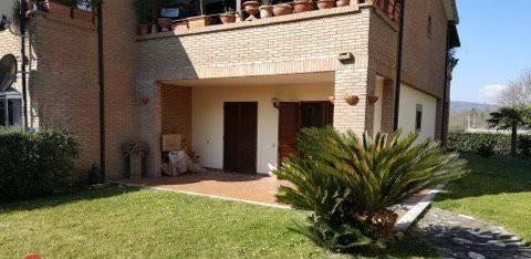 Appartamento in buone condizioni arredato in vendita Rif. 7097777