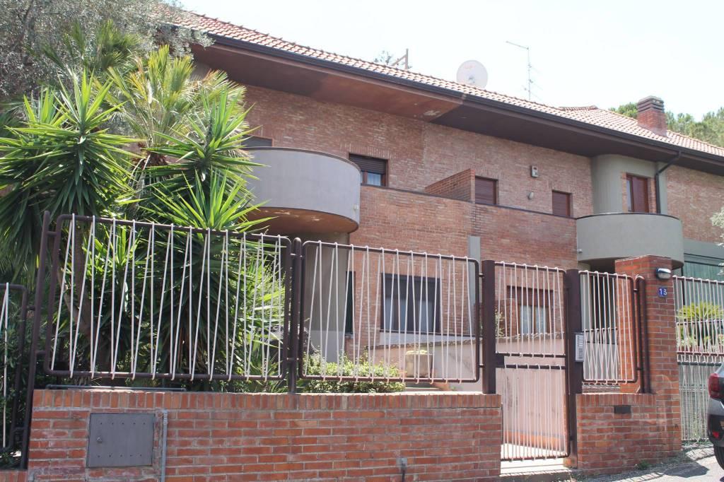 Villa in Vendita a Catania Centro: 5 locali, 350 mq