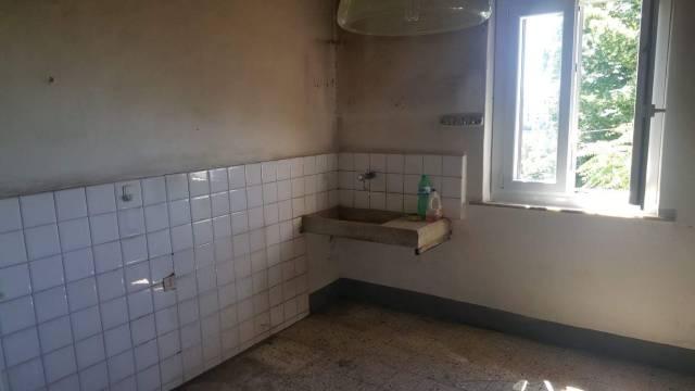 Appartamento da ristrutturare in vendita Rif. 7076768