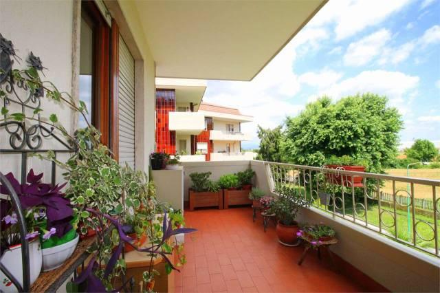 Appartamento in ottime condizioni in vendita Rif. 7094677