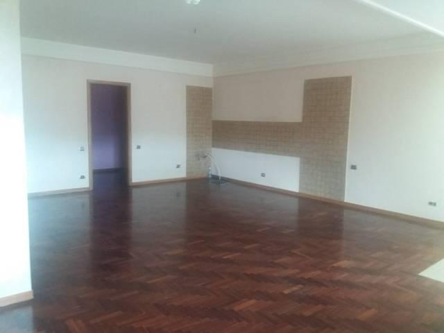 Appartamento in buone condizioni in affitto Rif. 7093367