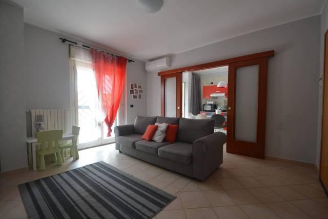 Appartamento in buone condizioni in vendita Rif. 7095284