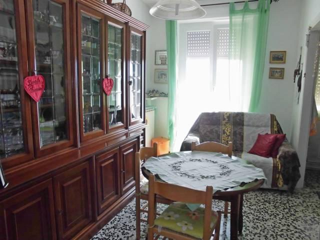 Appartamento in buone condizioni arredato in vendita Rif. 7098084