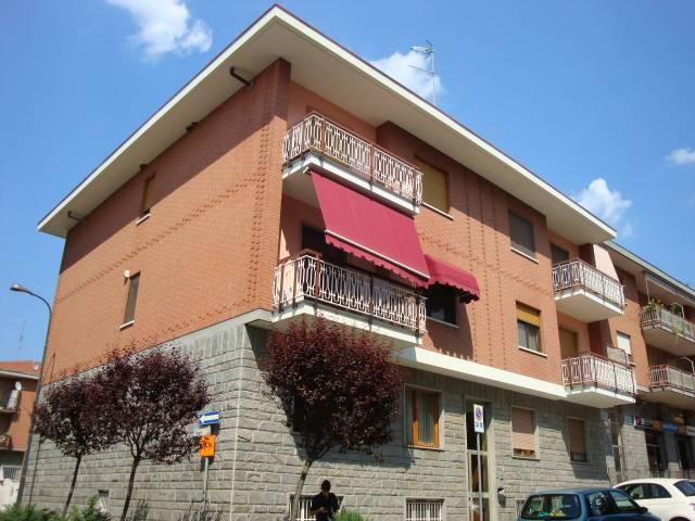 Appartamento in buone condizioni in affitto Rif. 7094198