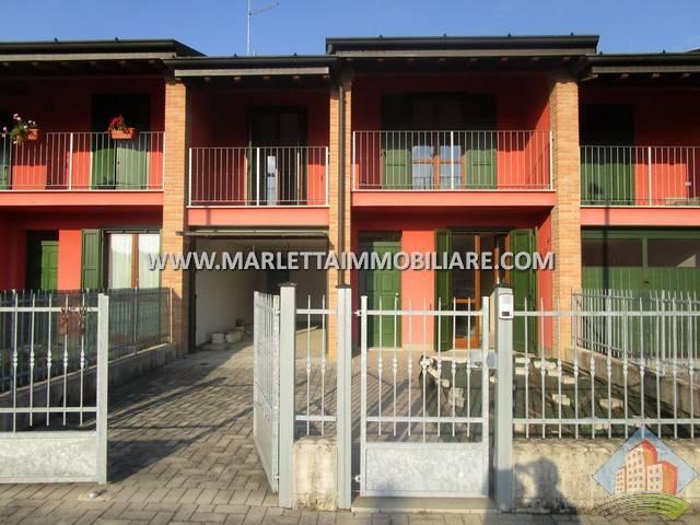 Villa a Schiera in vendita a Cappella Cantone, 4 locali, prezzo € 150.000 | CambioCasa.it
