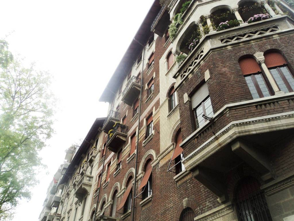 Ufficio-studio in Affitto a Milano 07 Darsena /  Ticinese: 3 locali, 100 mq