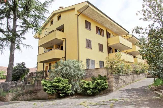 Appartamento in ottime condizioni parzialmente arredato in vendita Rif. 7094842