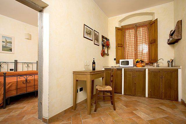 Appartamento in ottime condizioni arredato in affitto Rif. 8887667