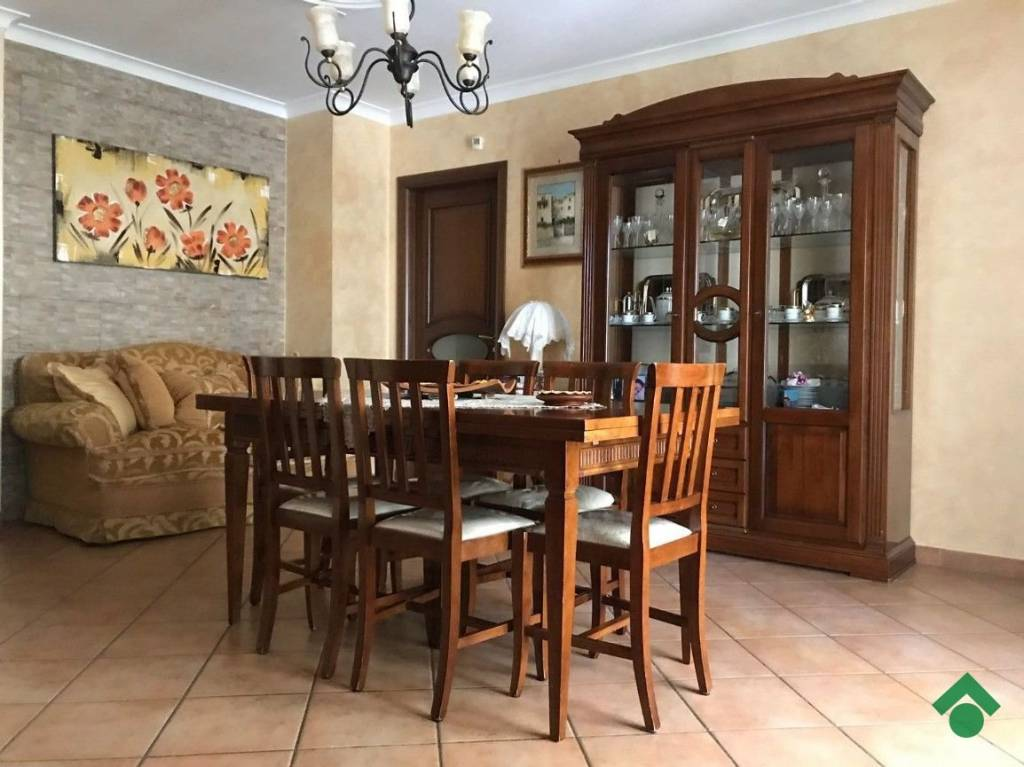 Appartamento in ottime condizioni in vendita Rif. 9226301