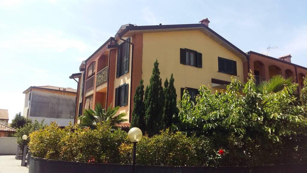 Villetta a schiera in buone condizioni in vendita Rif. 7092885