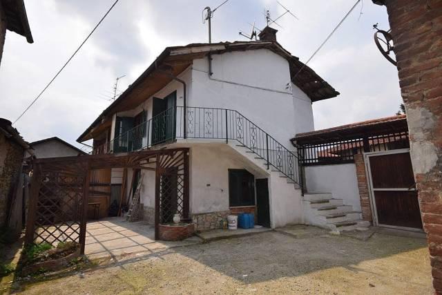 Appartamento da ristrutturare in vendita Rif. 4972638