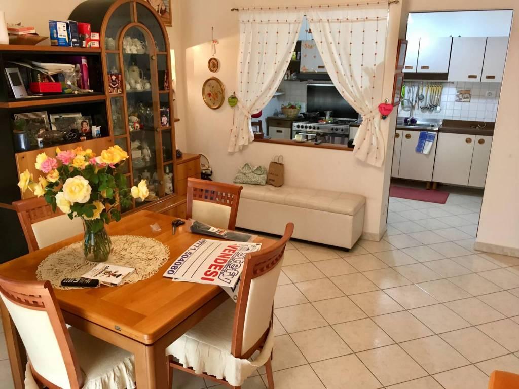 Appartamento in buone condizioni in vendita Rif. 7097241