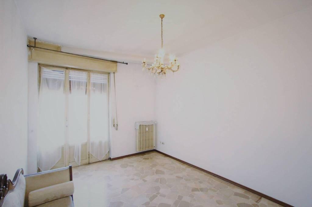 Appartamento da ristrutturare in vendita Rif. 6875136