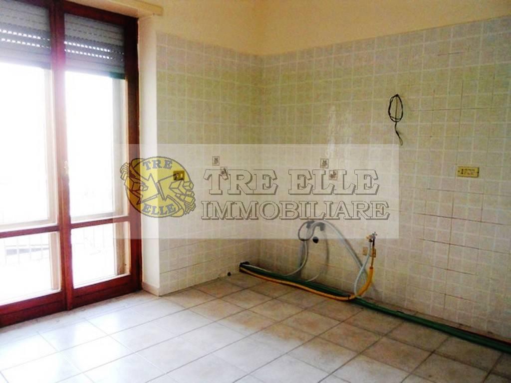 Appartamento in buone condizioni in affitto Rif. 6890638