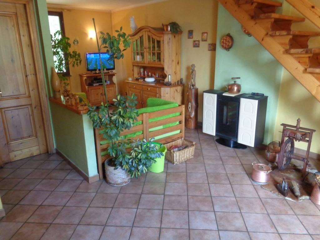 Foto 1 di Trilocale Frazione Capoluogo, Valpelline