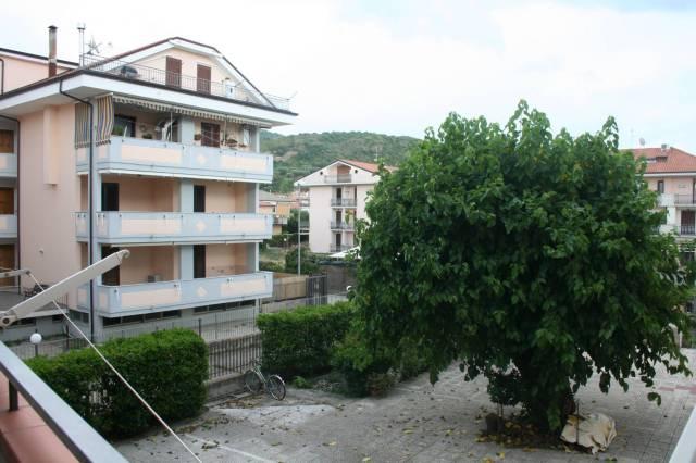 Appartamento in buone condizioni arredato in vendita Rif. 7094374