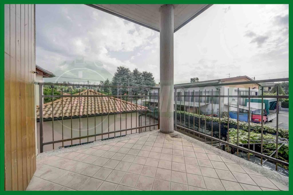 Appartamento in ottime condizioni in vendita Rif. 8665786