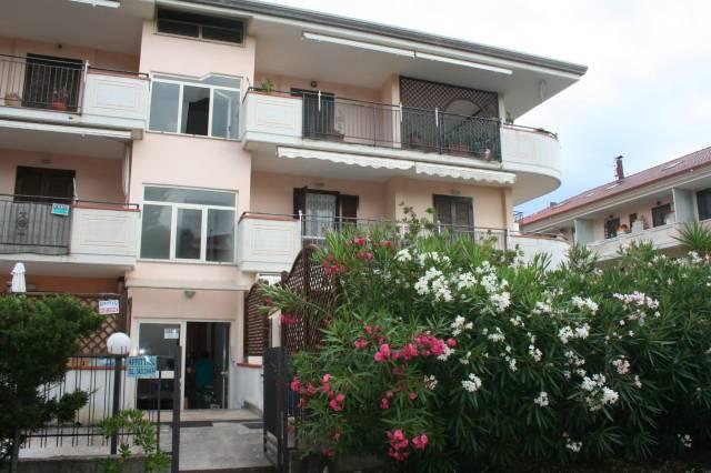 Appartamento in buone condizioni arredato in vendita Rif. 7094375