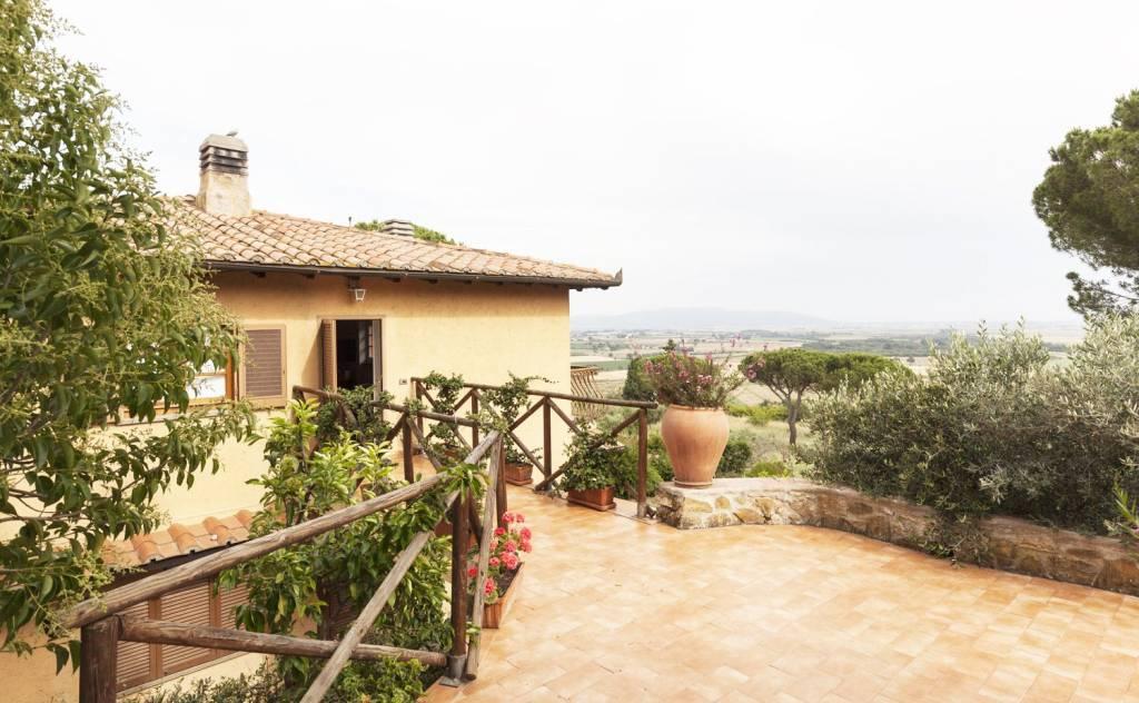 Villa in ottime condizioni in vendita Rif. 6968114