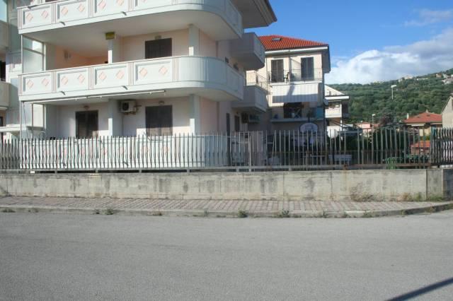 Appartamento in buone condizioni arredato in vendita Rif. 7094376