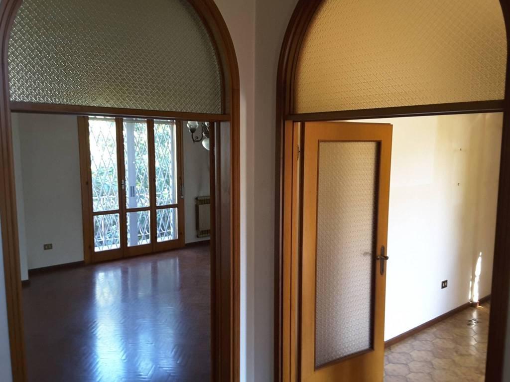 Villa in Vendita a Ravenna Semicentro: 5 locali, 172 mq