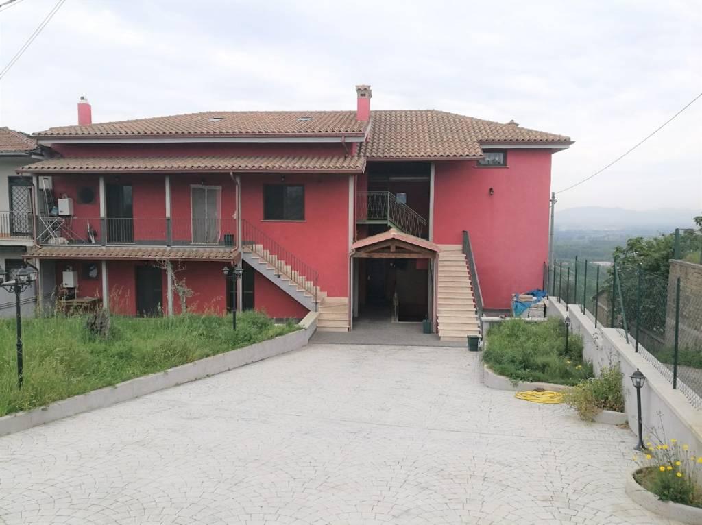 Appartamento in ottime condizioni in vendita Rif. 7108081