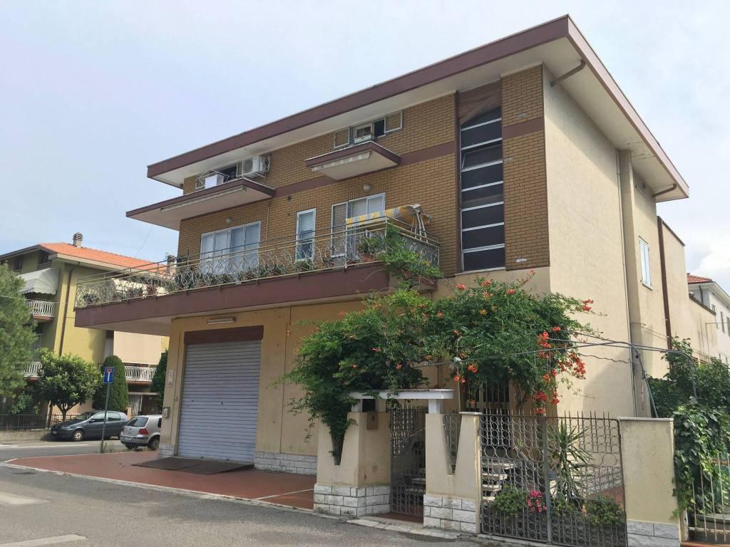 Palazzo in Vendita a Rimini Centro:  5 locali, 581 mq  - Foto 1