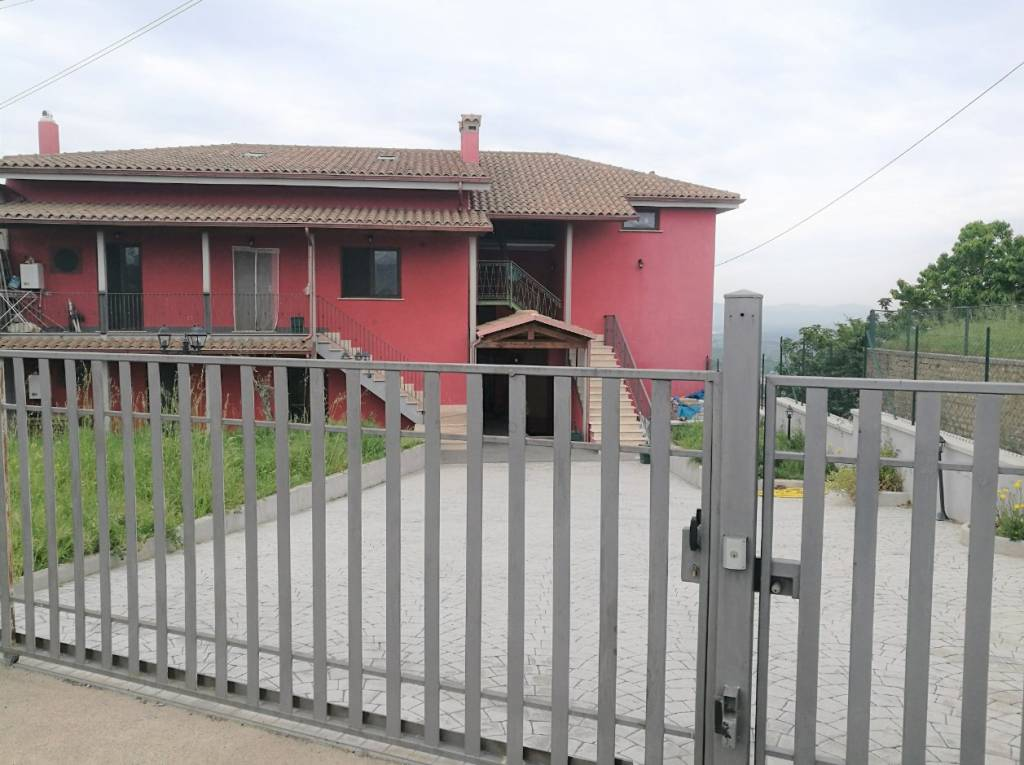 Appartamento in ottime condizioni in vendita Rif. 7108083