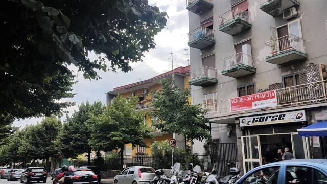 Appartamento in vendita 3 vani 100 mq.  via Pietro Castellino Napoli