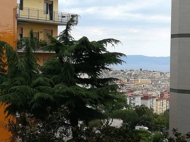 Appartamento in vendita 5 vani 120 mq.  via Croce Rossa 20 Napoli