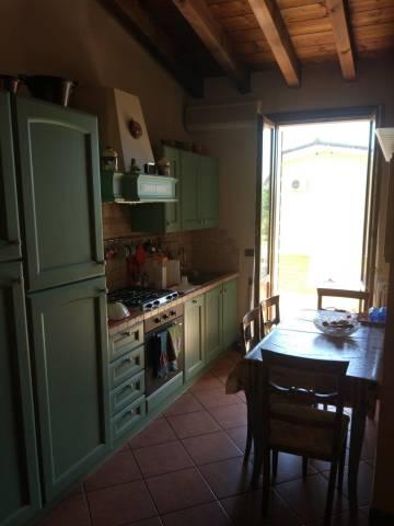 Appartamento in ottime condizioni parzialmente arredato in vendita Rif. 7108026