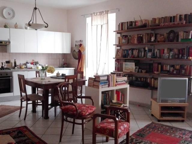 Appartamento in ottime condizioni parzialmente arredato in vendita Rif. 6989915