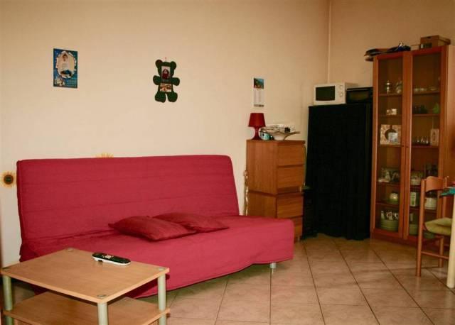 Appartamento in buone condizioni in vendita Rif. 7105625