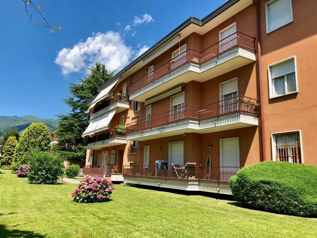 Appartamento in buone condizioni in vendita Rif. 7095175