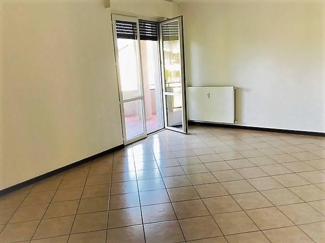Appartamento in buone condizioni in vendita Rif. 7106406
