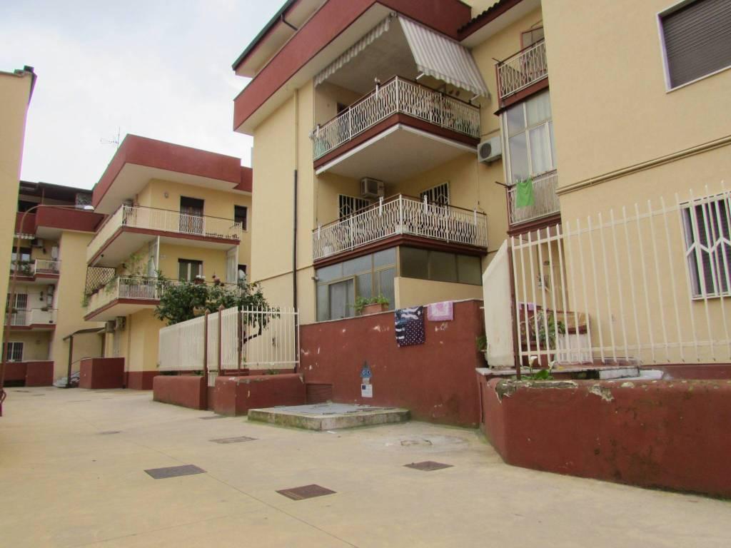 Appartamento in buone condizioni in vendita Rif. 8413686
