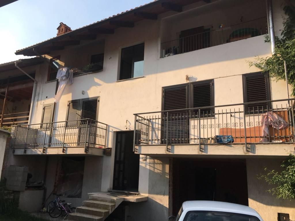 Appartamento in buone condizioni in vendita Rif. 8398823