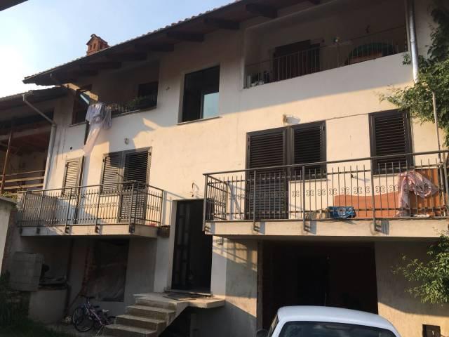 Appartamento in buone condizioni in vendita Rif. 7107856
