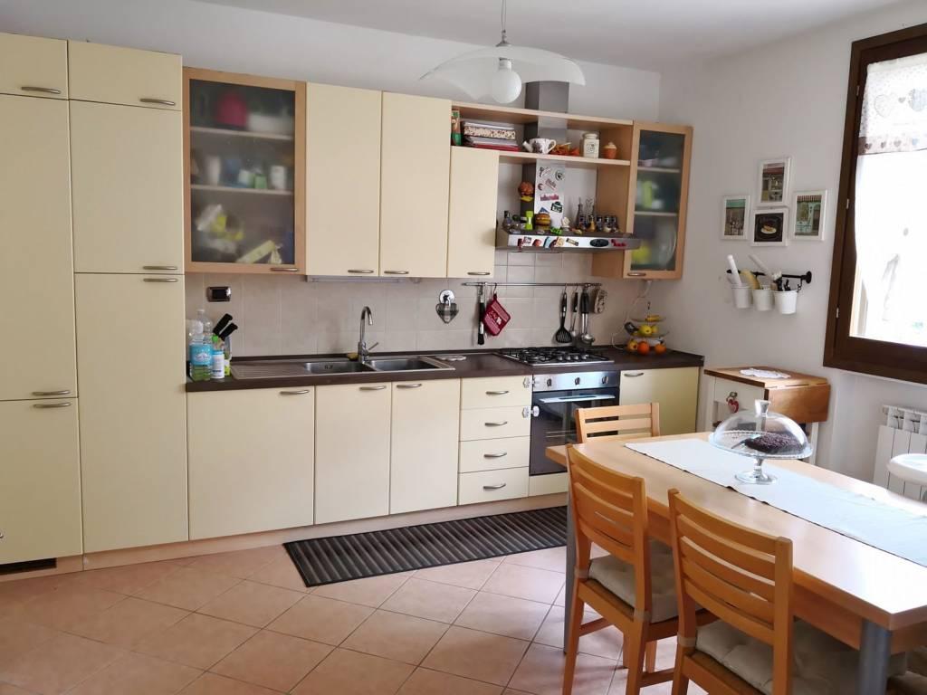 Appartamento in ottime condizioni arredato in vendita Rif. 7109589